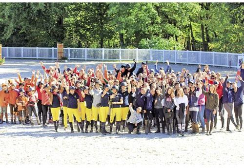 Groupe heureux et coloré (© CDE Oise)