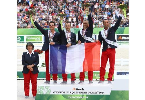 L'équipe de France d'endurance emmenée par Bénédicte Emond Bon était médaillée d'argent aux Jeux équestres mondiaux à Caen en 2014 (© FFE/PSV)
