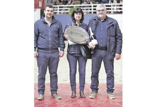 Yannick Fardin, son épouse et son fils Pierre qui va poursuivre l'élevage du Rouet