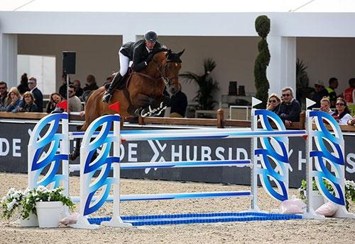 Patrice Delaveau et Uraeus Blanc HDC gagnent la première qualif' du CSI2* de Deauville (ici à St Trop')