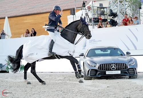 John Whitaker et Argento remportent l'épreuve majeure de jeudi (© Sportfot Valence)