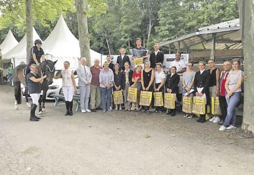 Les cavaliers primés à Colmar (© Ec. du Dachsbuhl)