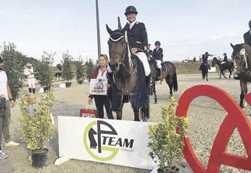 Jeanne Christen gagne le GP Amat Elite avec Vulkan d'Arma (© Equiplus)