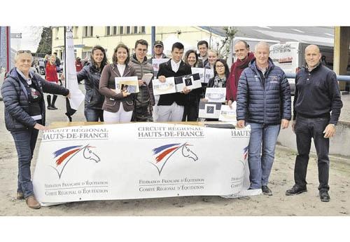 Les lauréats du circuit grand régional de CSO réunis