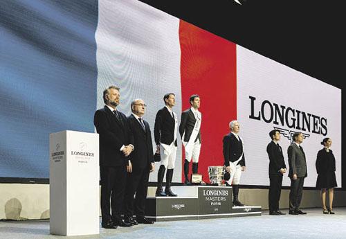Quel podium ! Emotion commune pour Simon, Kevin et Bosty (© Aléa pour EEM)