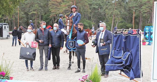 Le champion Gino des Luthiers, né dans les Vosges chez Jean-François Morizot, avec Aurelien Georges Picot